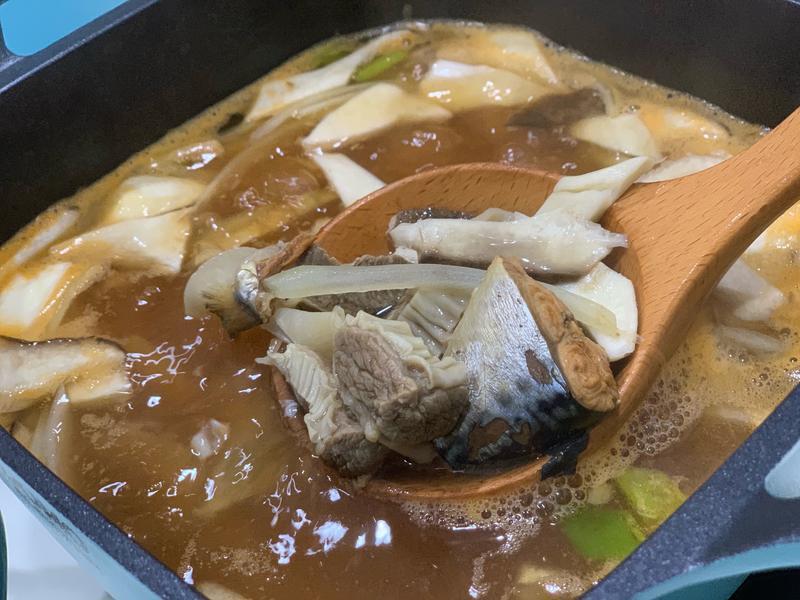 同榮鯖魚罐頭麵