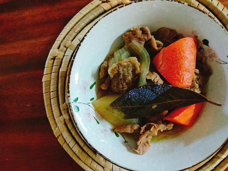 紅燒牛筋肉燉蘿蔔一超簡單