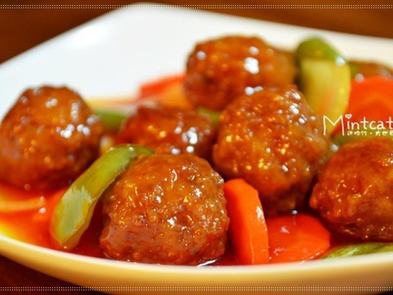 【迷你竹廚房】收服老公的胃‧超美味的偷吃步糖醋肉丸