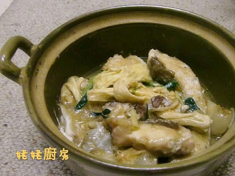 薑蔥支竹魚腩煲
