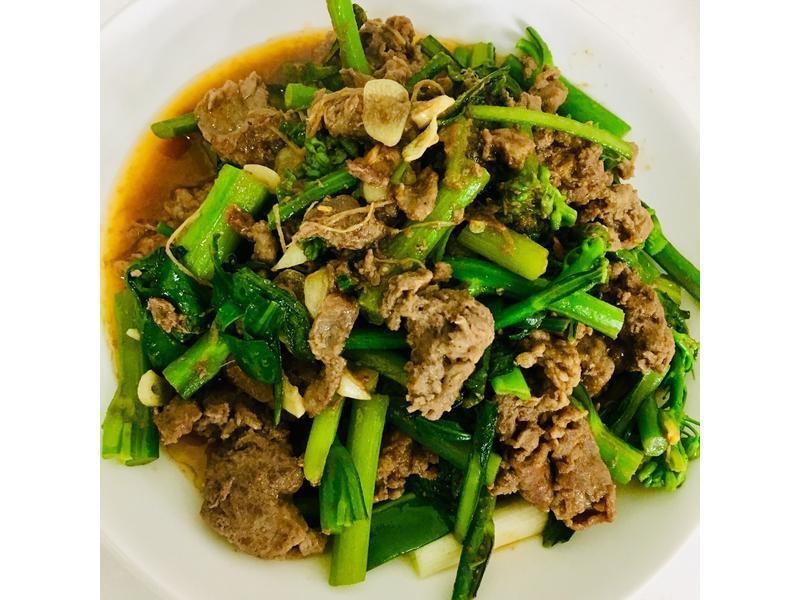 Fa Fa ~ 沙茶牛肉芥藍菜