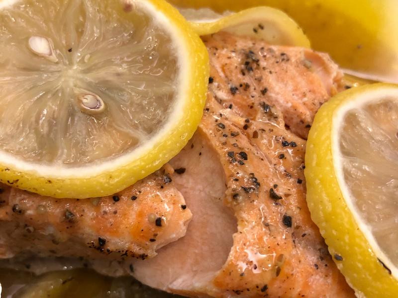 紙包檸檬烤鮭魚