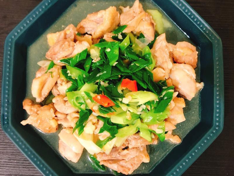 蒜苗炒雞肉