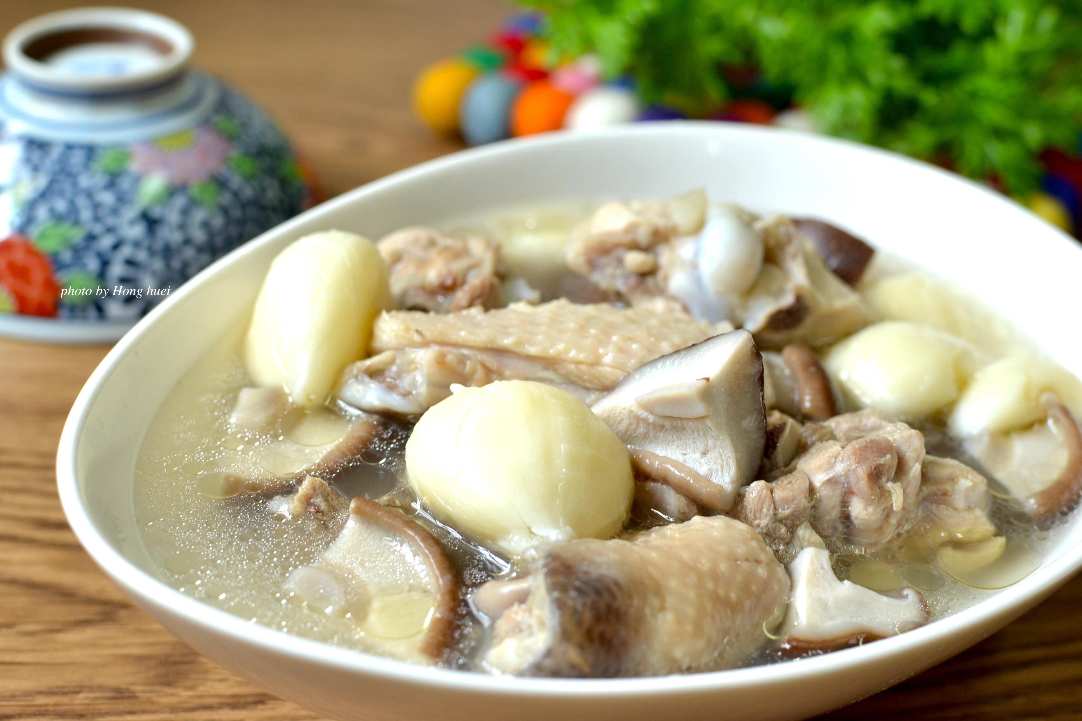 電鍋輕鬆做「蒜頭鮮菇雞湯」