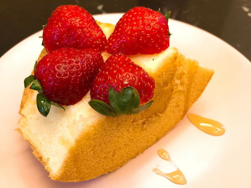 原味戚風蛋糕with草莓