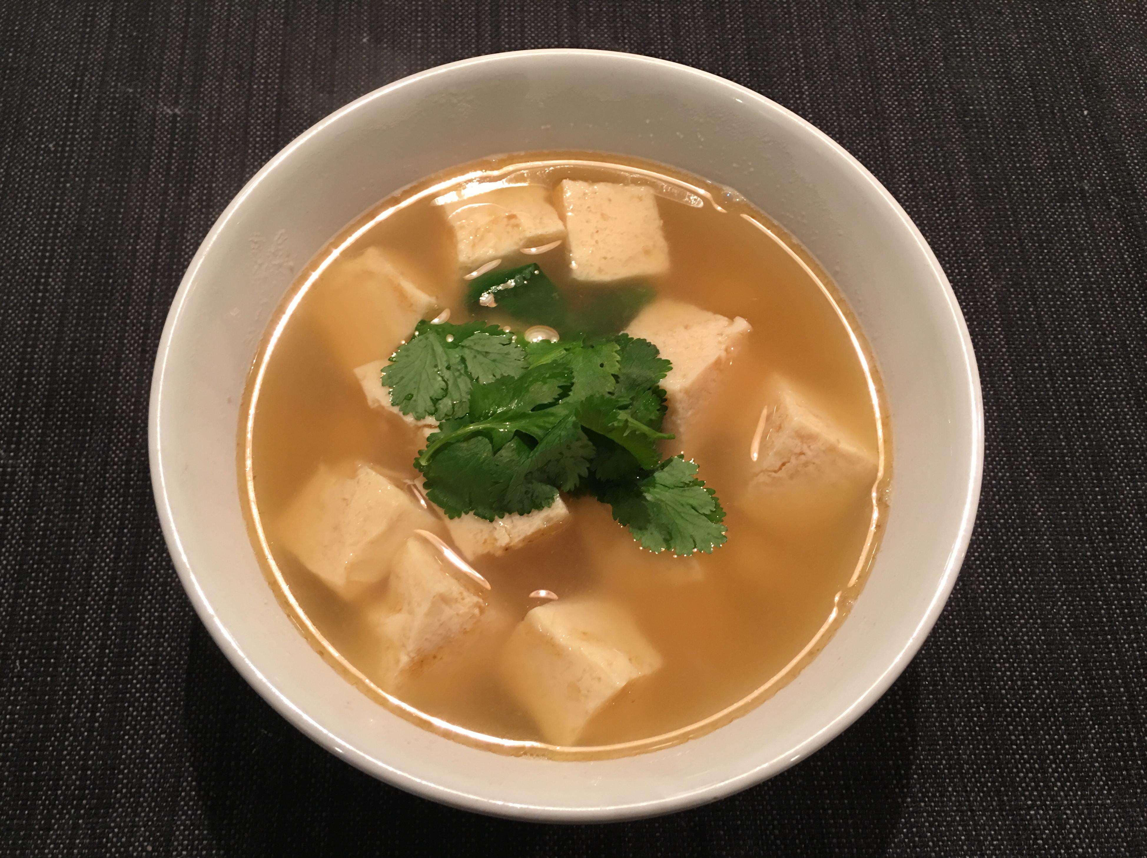 魚骨高湯(放冰箱後呈會果凍狀的膠質湯)