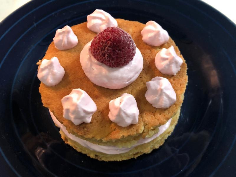 生酮版覆盆莓戚風蛋糕塔