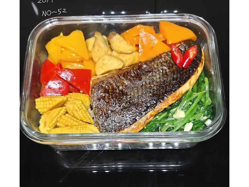 減脂~乾煎咖哩鮭魚