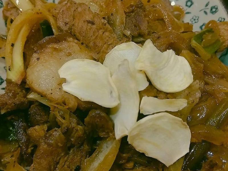 煌輝三寶應用_蒜香洋蔥絲炒山豬肉
