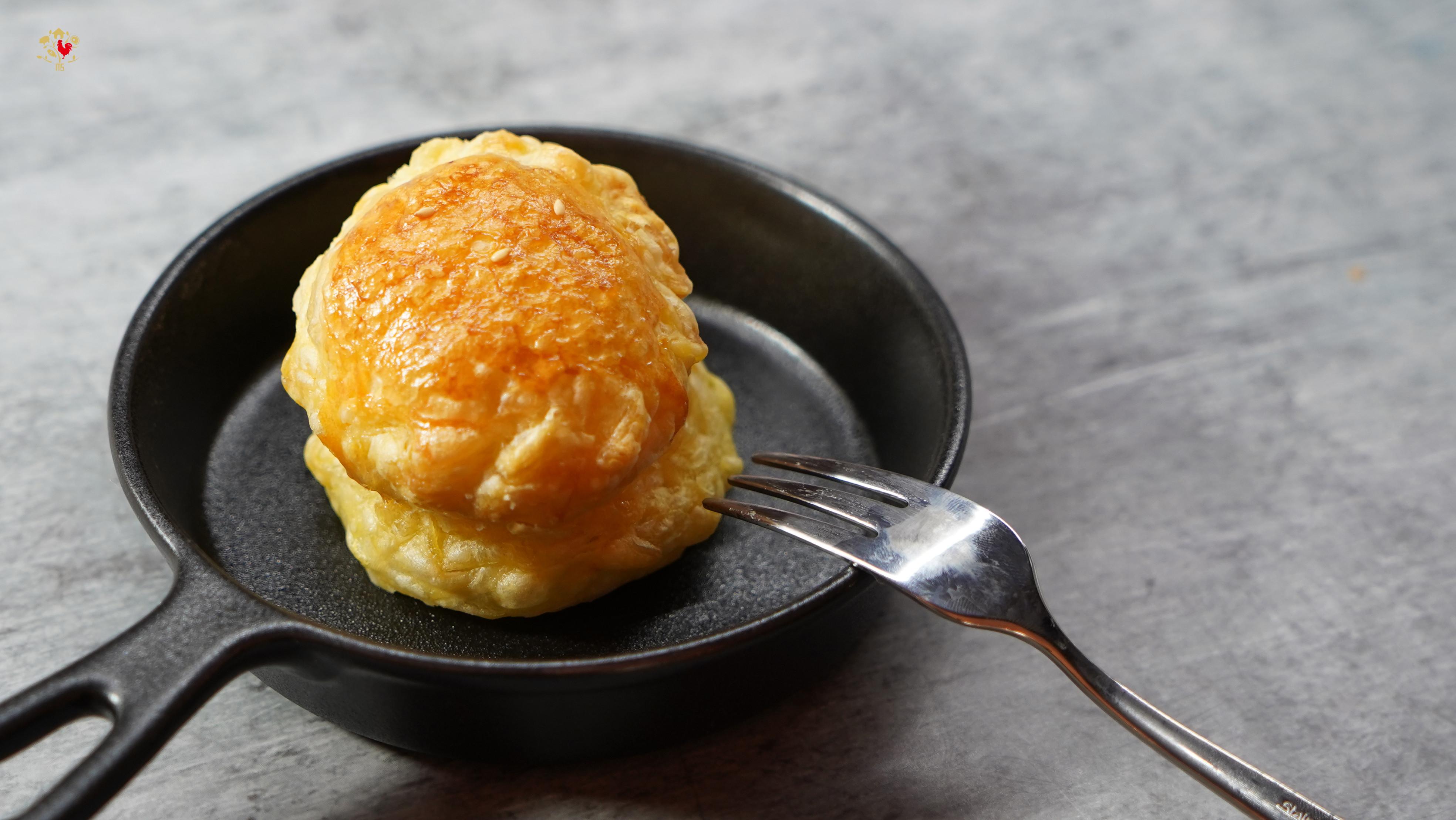 【假日就想吃的白醬菇菇雞肉派】內有影片