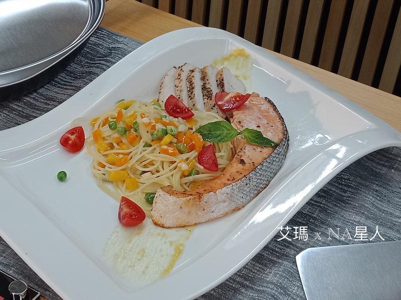 鮭魚雞肉天使義大利麵
