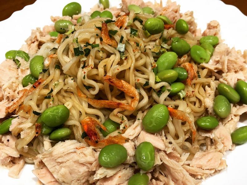 高蛋白「櫻花蝦鮪魚蔥油拌麵」520卡
