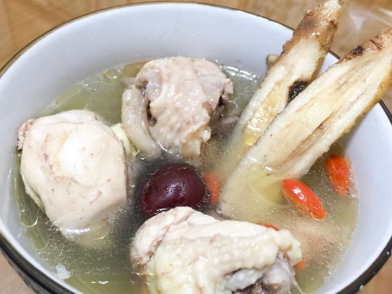 電鍋料理-家常中藥雞湯