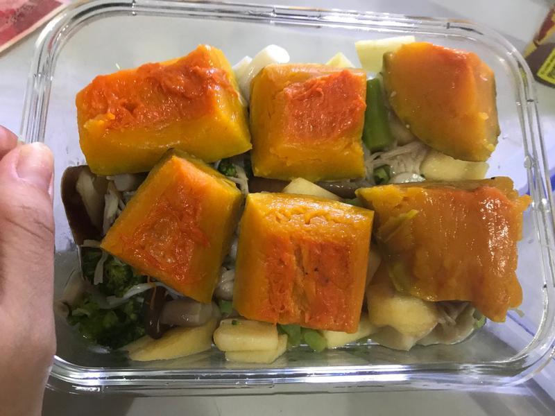 低卡晚餐 涼拌🍄菇類+花椰菜