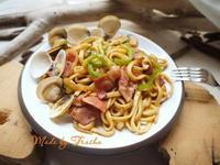 培根蛤蜊炒麵