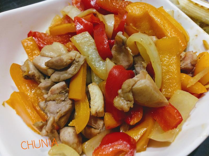 簡單炒- 彩椒嫩雞