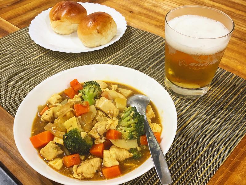 咖哩雞肉燉豆腐