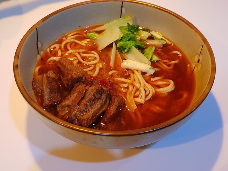 紅燒蕃茄牛肉麵
