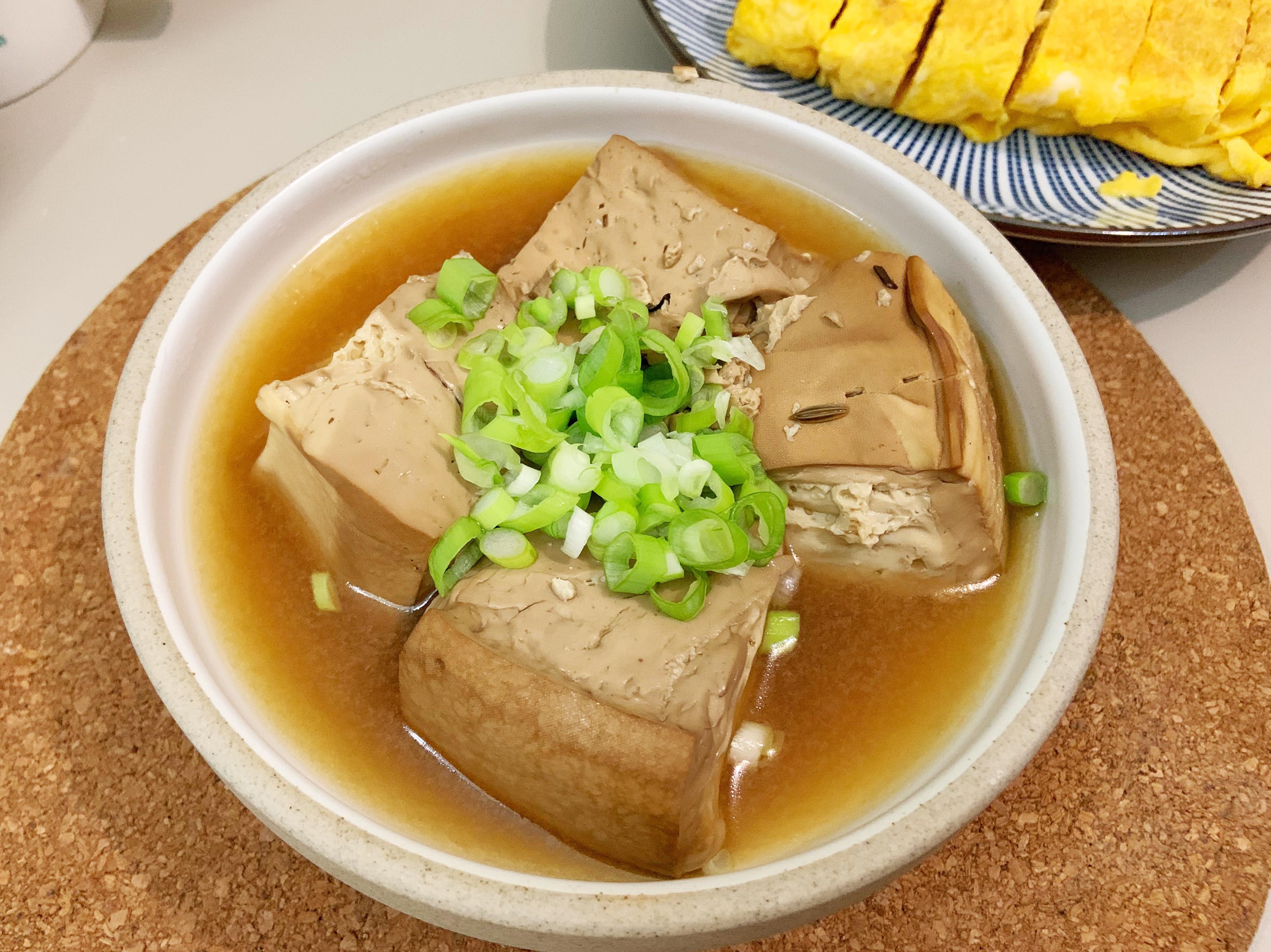 用電子鍋滷豆腐 (15分完成)