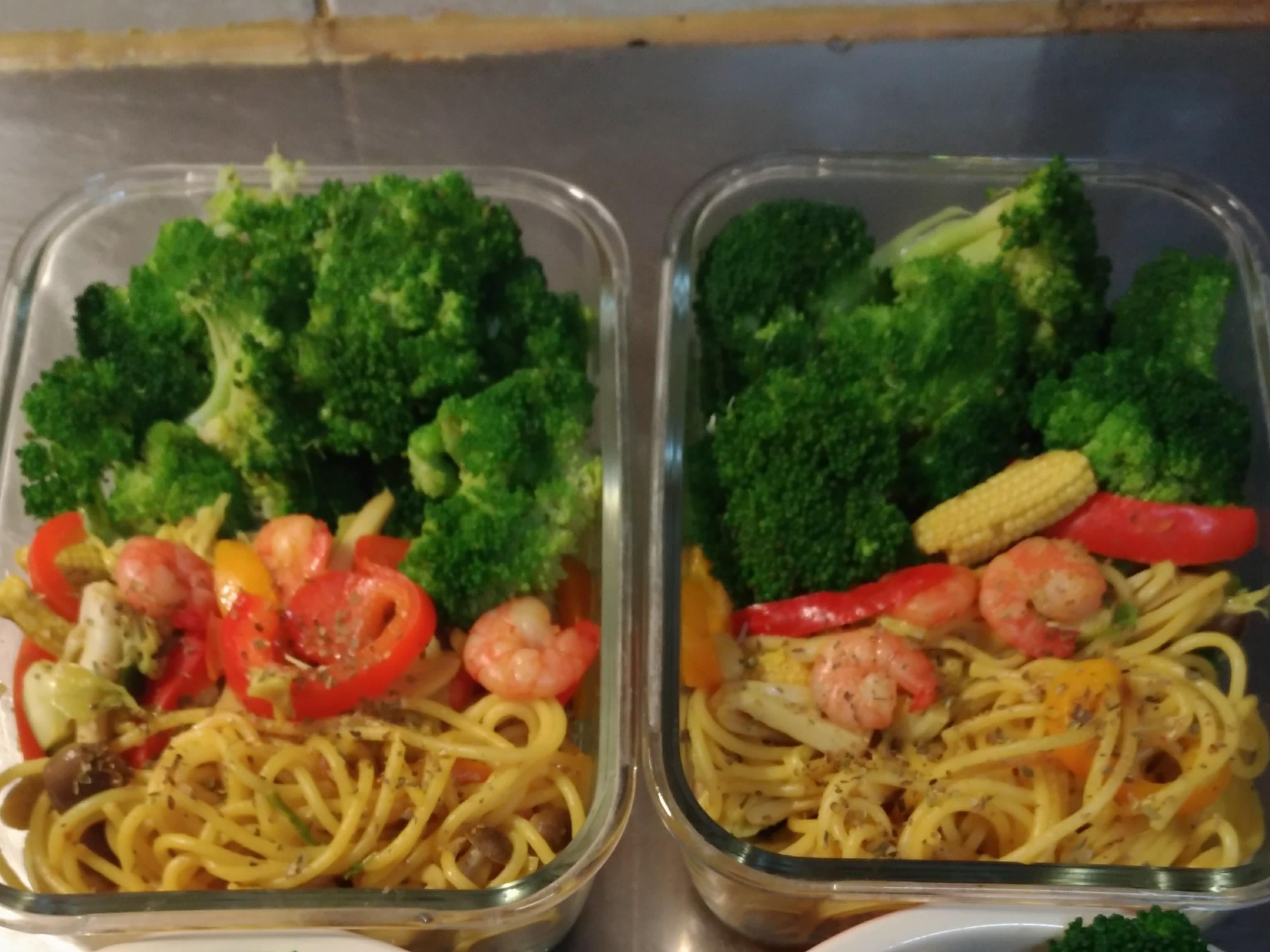 低卡蔬菜蝦仁清炒義大利麵