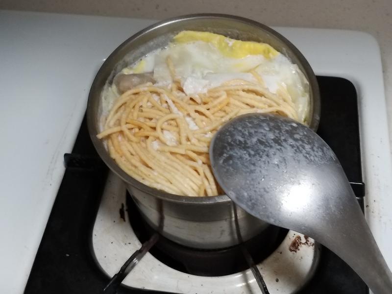 牛奶鍋意麵