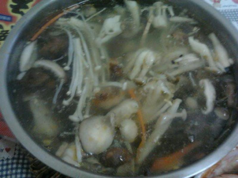 Y芬的小廚房--菇菇湯