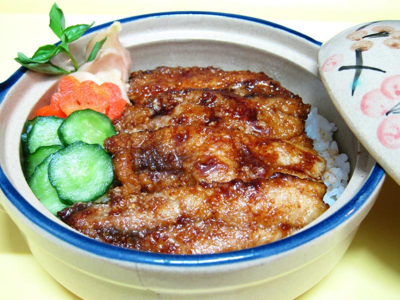 【四季江戶味之秋季料理】蒲燒秋刀魚蓋飯