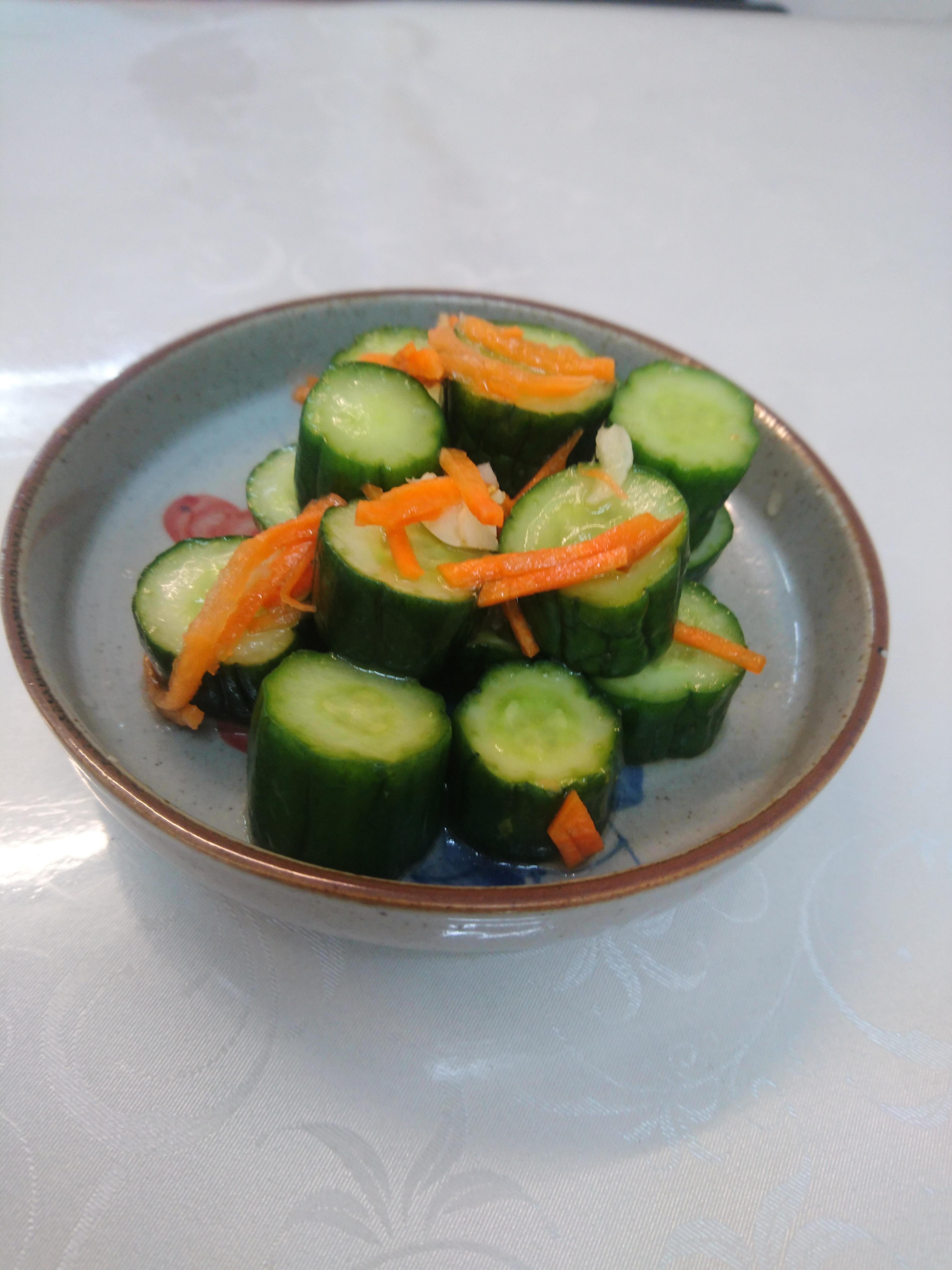 涼拌小黃瓜 (梅子口味)