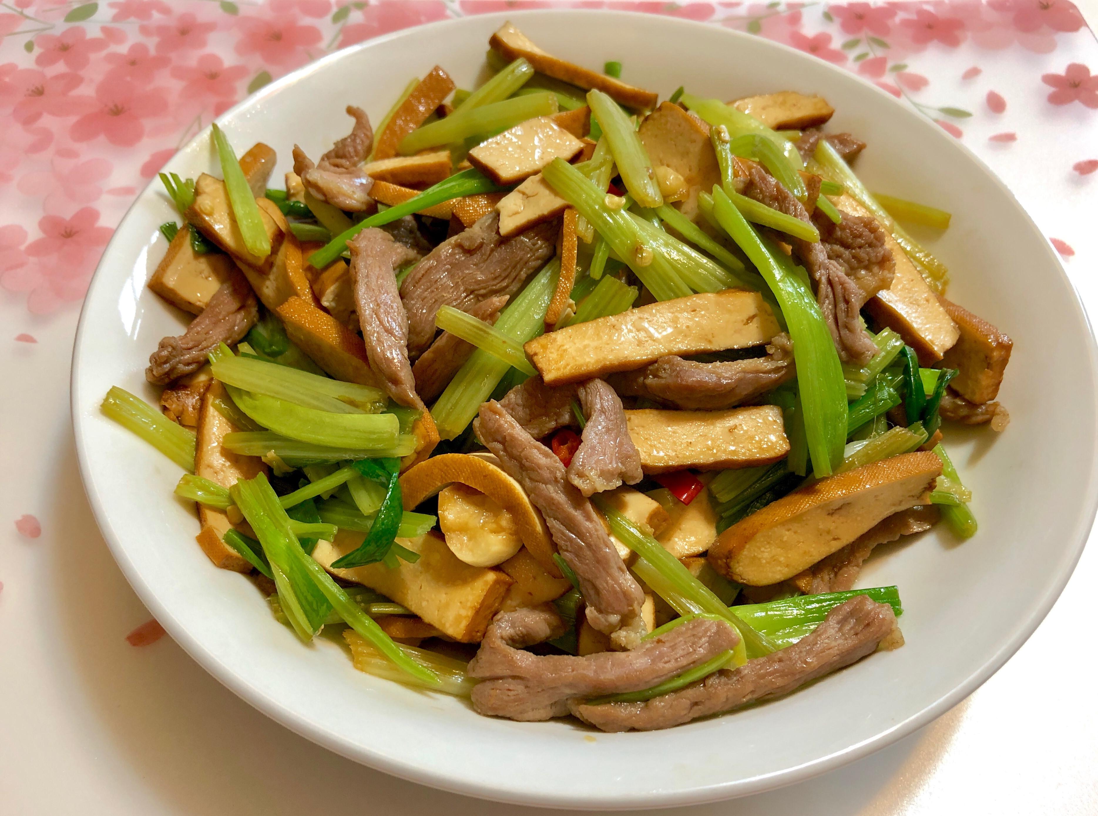 芹菜豬肉辣炒豆乾