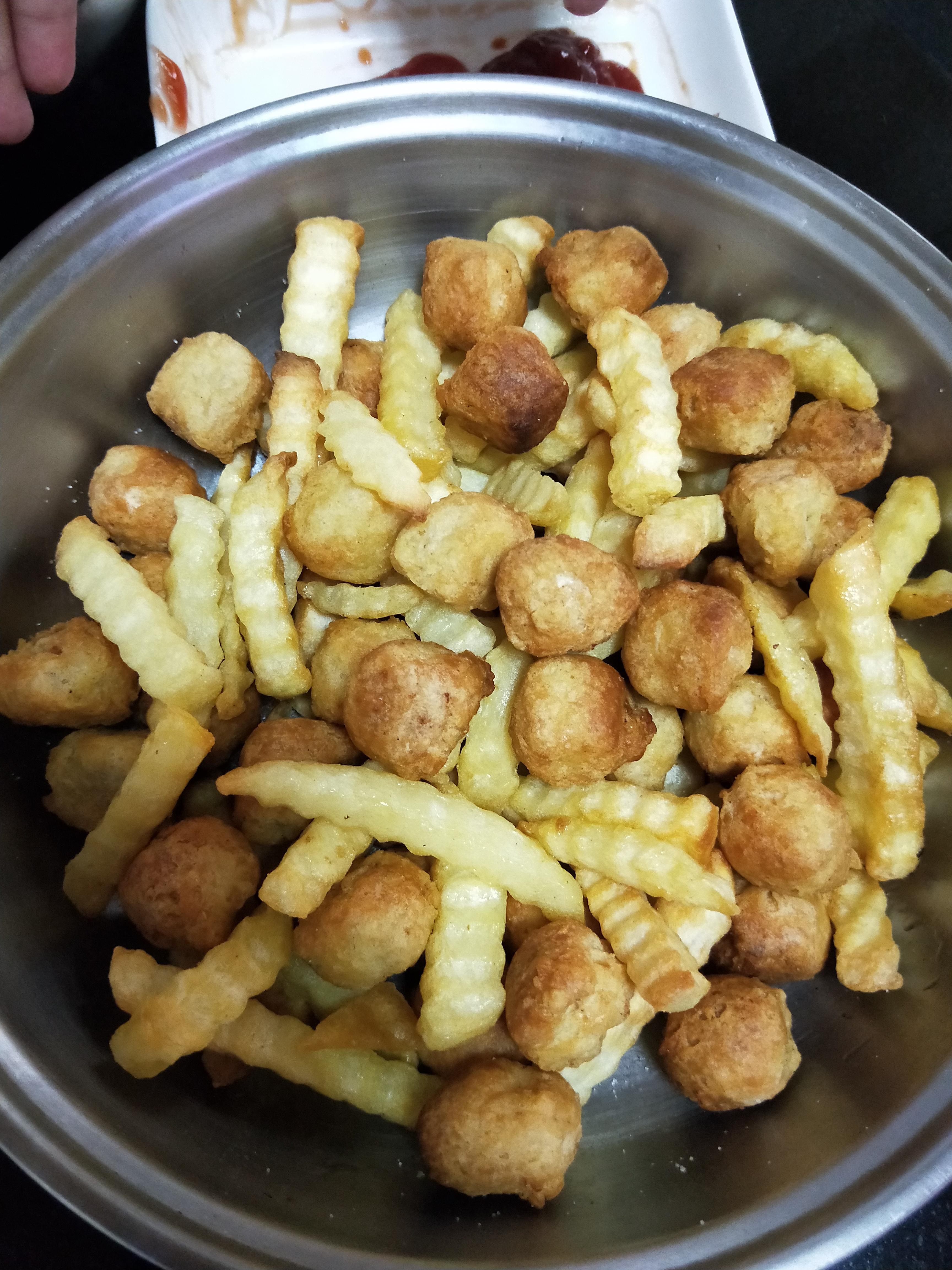 氣炸出美食-薯條雞球