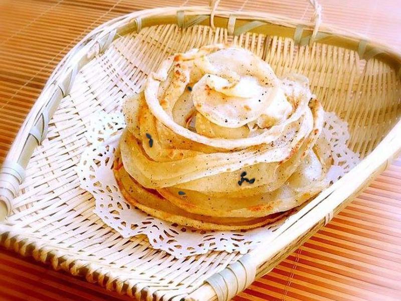 平底锅就能做的椒香苦荞饼,一口让你幸福