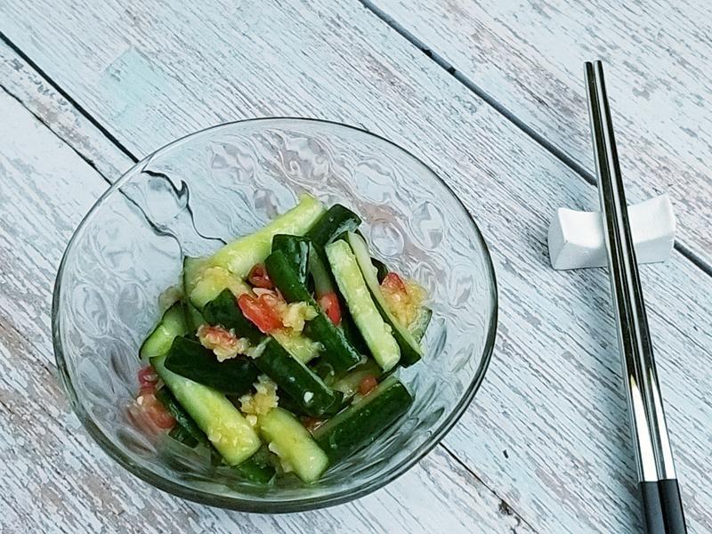 涼拌蒜味小黃瓜~開胃菜