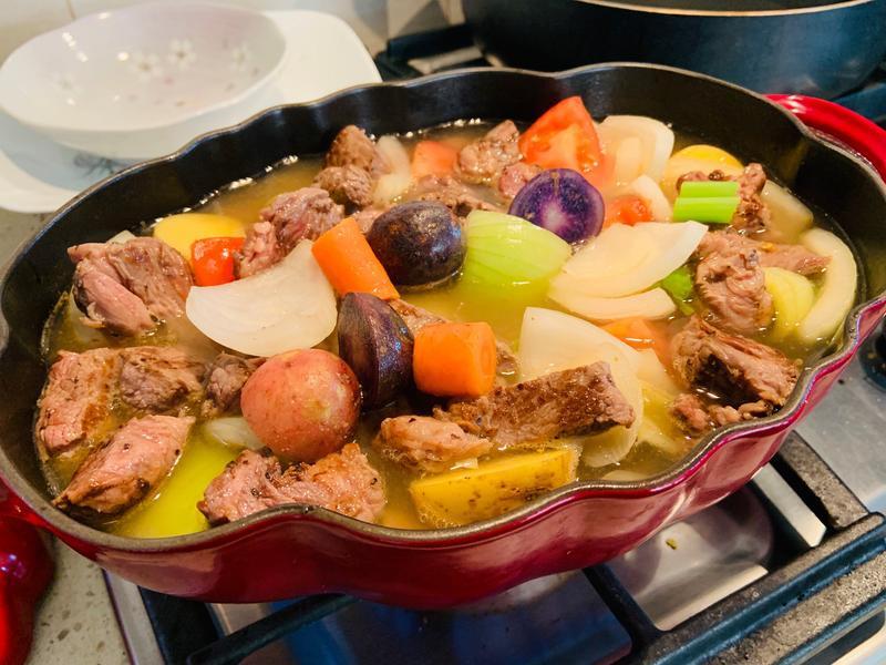 清燉牛肉蔬菜湯 春天料理