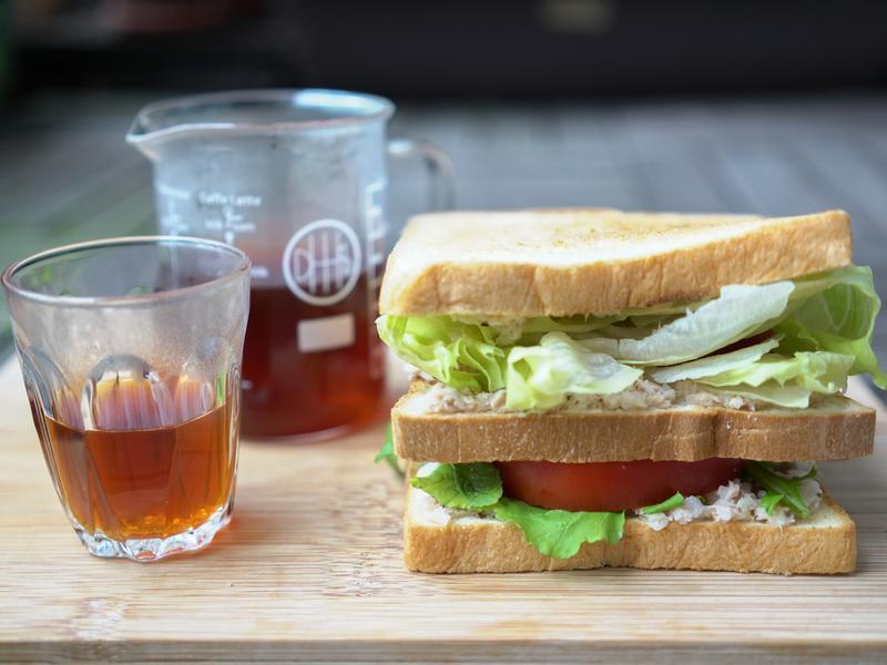 堅果鮪魚三明治