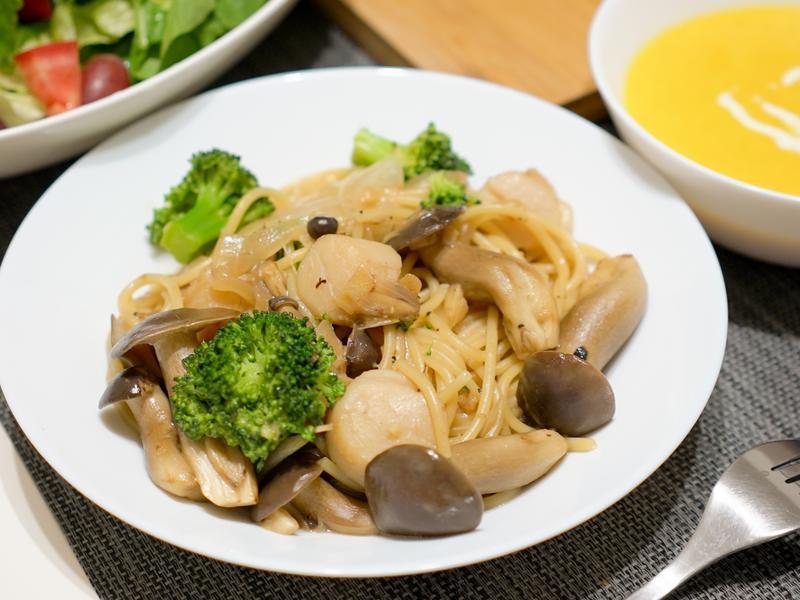 清炒野菇干貝義大利麵