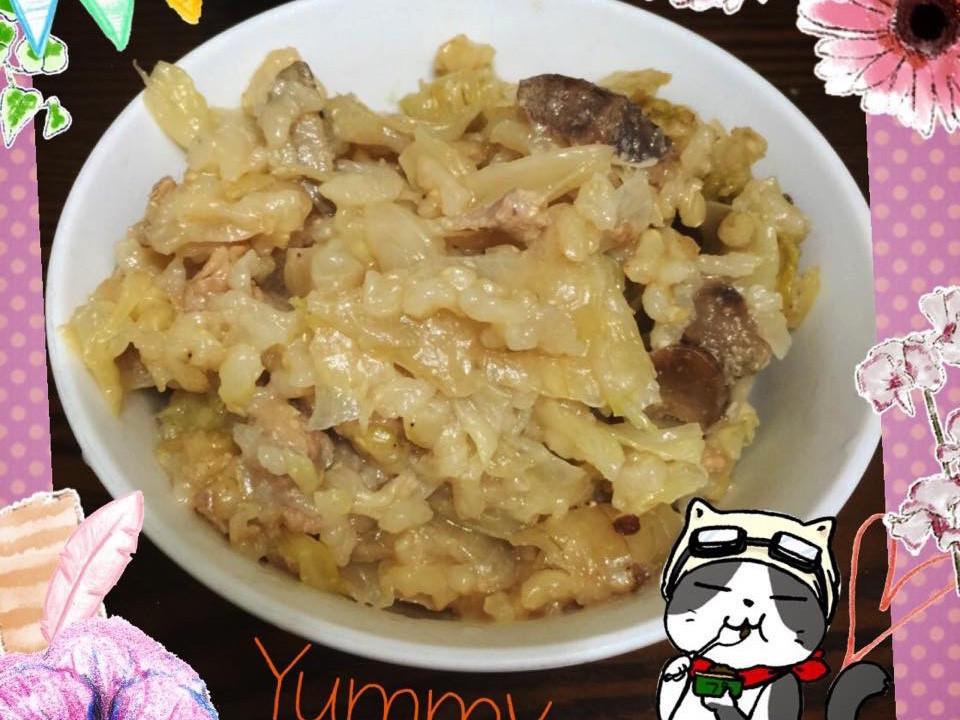 高麗菜里肌中式燉飯。電鍋