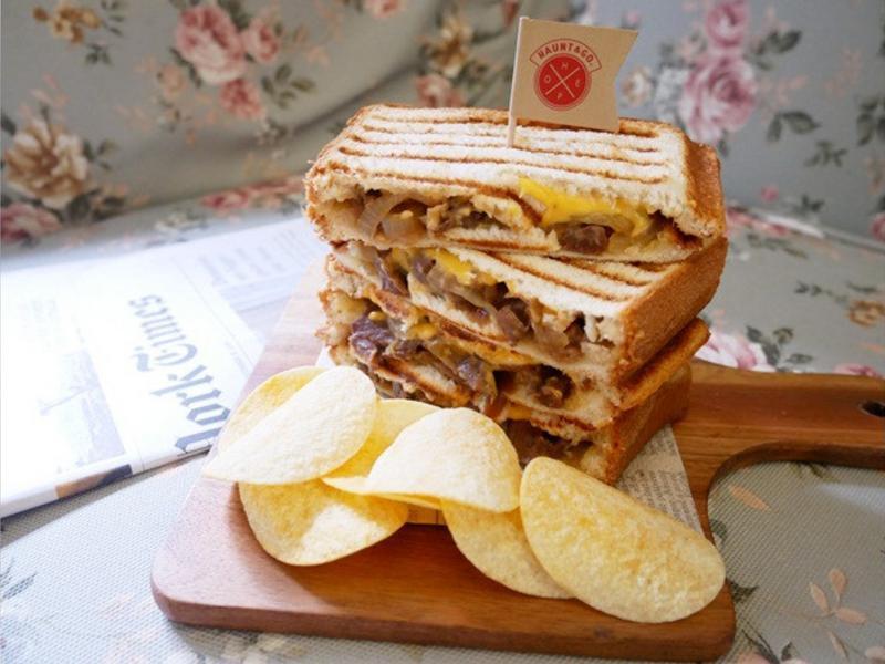 超好吃「韓式烤牛肉帕尼尼」好入味好滿足♪