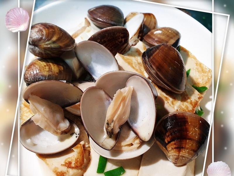 蛤蜊蒸豆腐