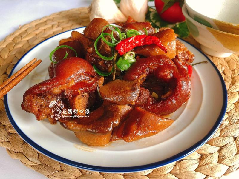 杏鮑菇燉豬腳(家常料理便當菜)