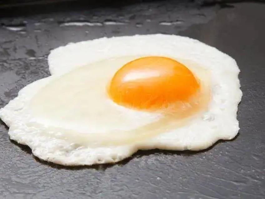 半熟荷包蛋