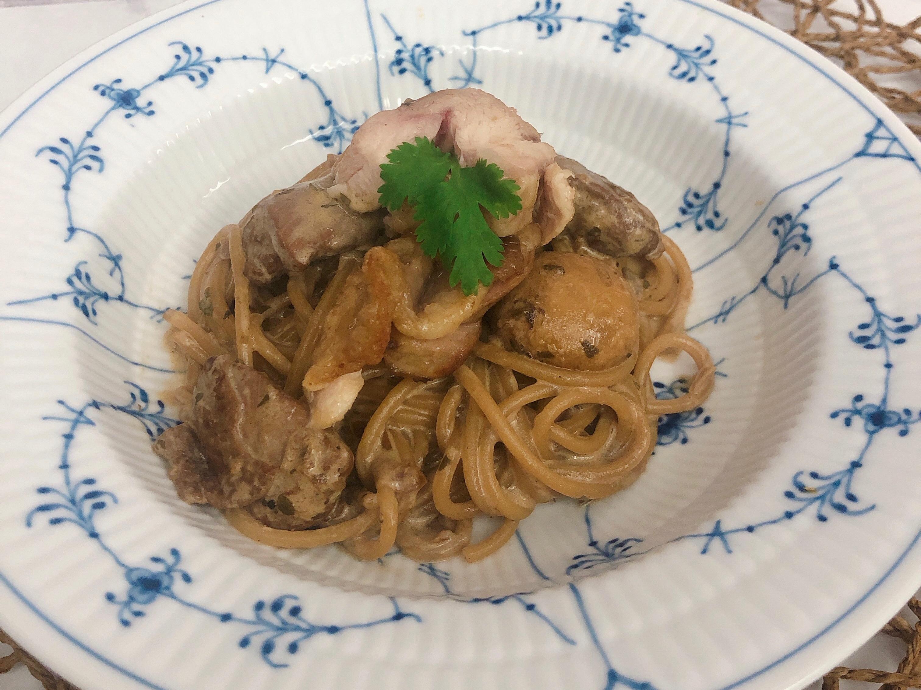 牛肝箘菇奶油雞麵
