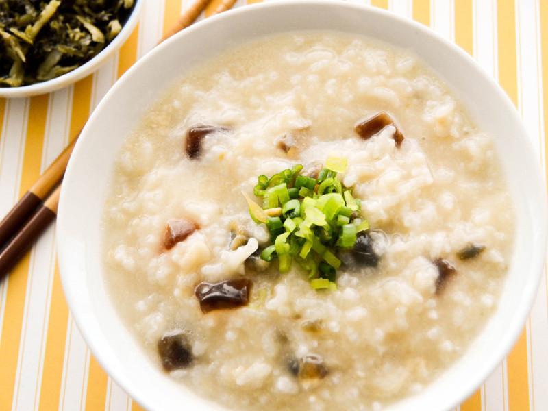 保證米粒開花的廣式皮蛋粥