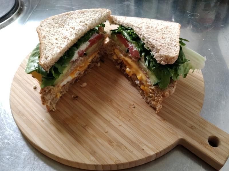 鮪魚起司三明治