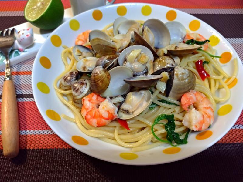塔香蛤蜊義大利麵