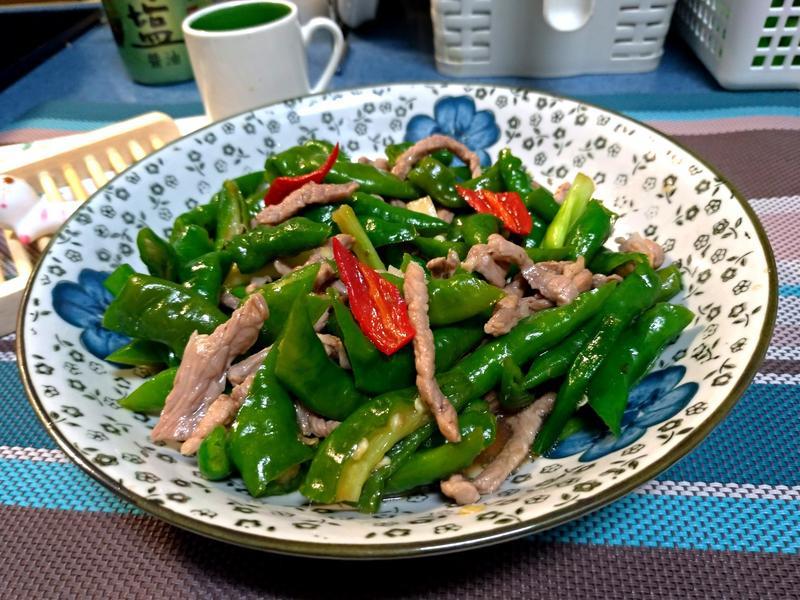 糯米椒炒肉絲(青龍椒)