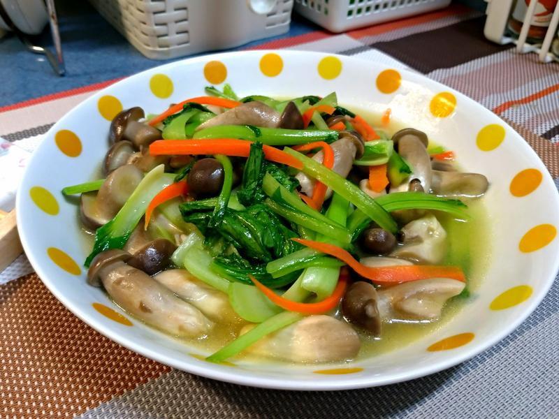 青江菜炒香菇(美姬菇)