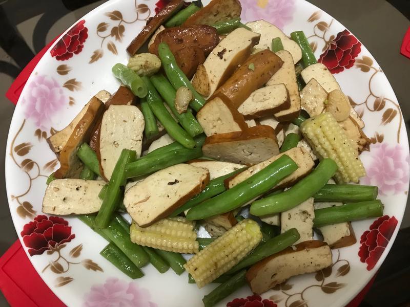 四季豆炒玉米筍