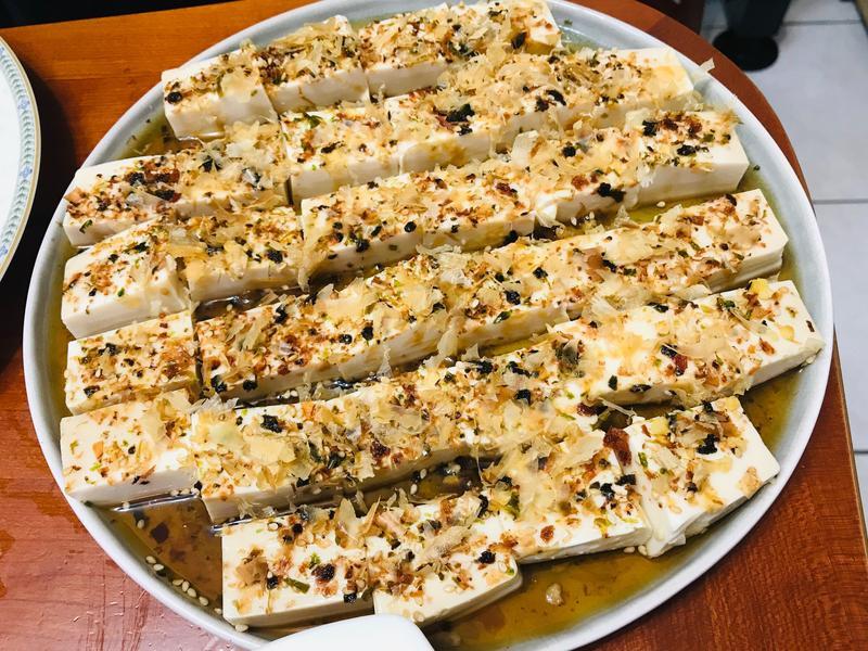 懶人料理:超簡單柴魚涼拌豆腐