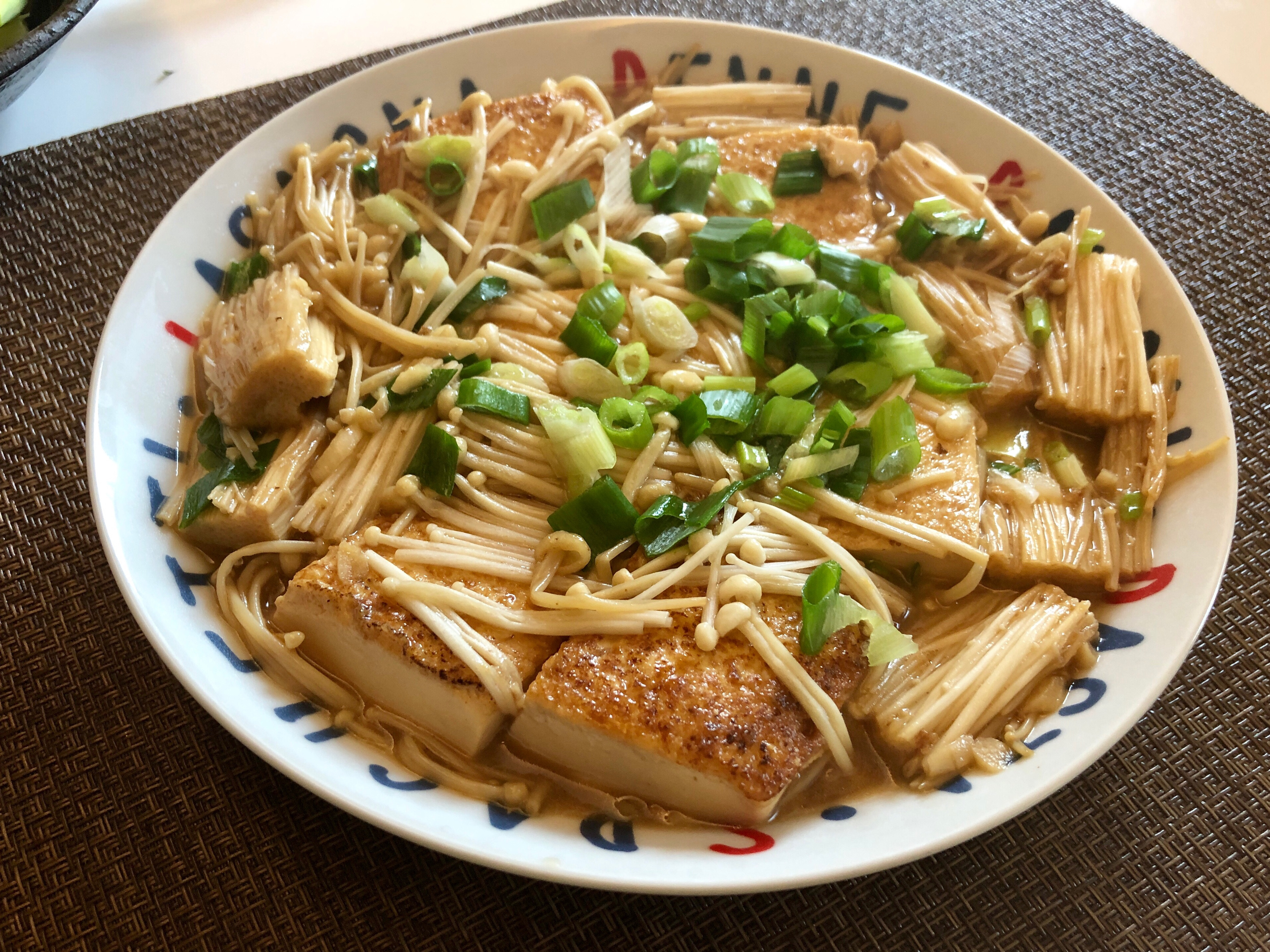 紅燒豆腐燴金針菇