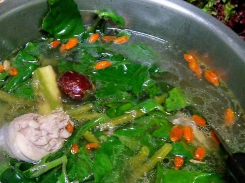 尼基羅草雞湯